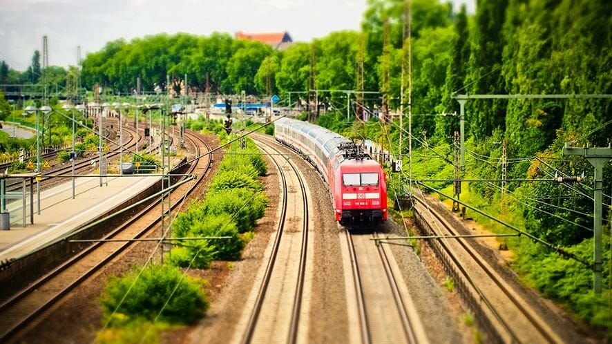 10 Ways To Spend Your Time In The Train